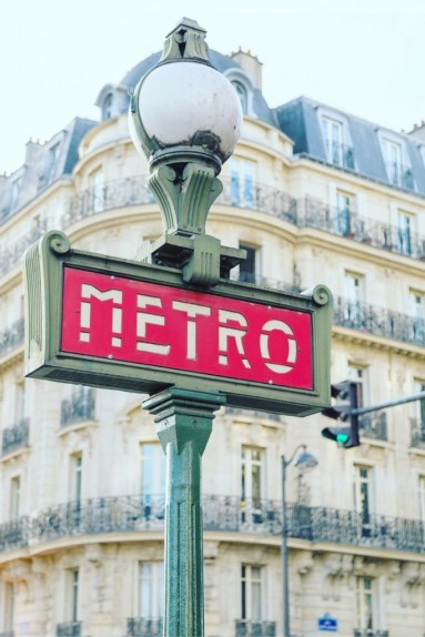Your-Guide-to-Paris-Metro-Tickets