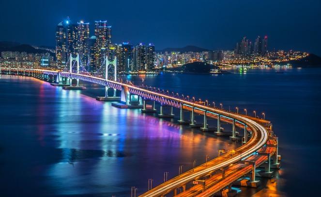 Busan-night-bridge
