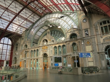 Antwerp-Central-Station-Interior-Belgium