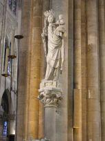 Notre_dame_de_paris,_statua_della_nostra_signora_di_parigi