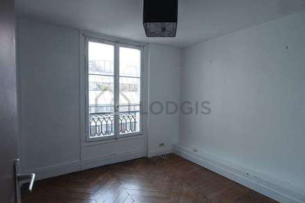 apartment-paris-bedroom-2-H21