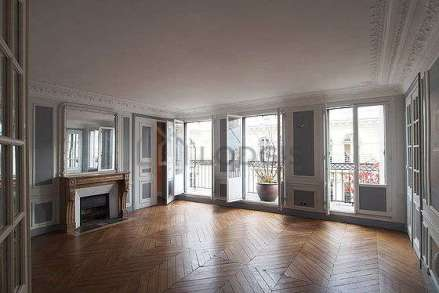 apartment-paris-living-room-G11