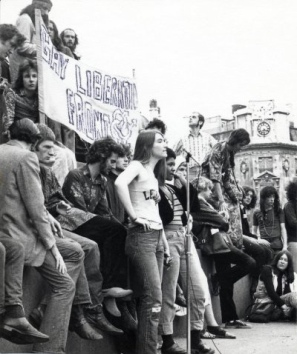 Demonstration,_with_Gay_Liberation_Front_Banner