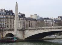 statue-sainte-genevieve-pont-tournelle