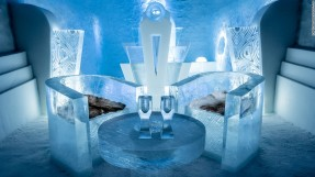 161208105309-medium-deluxe-suite-once--upon-a-time-icehotel-2017-super-169