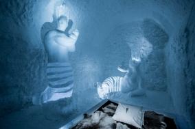 Art-Suite-Mermaid-Fitness-ICEHOTEL