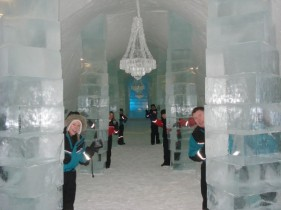 Icehotel-20090127_06-600x450