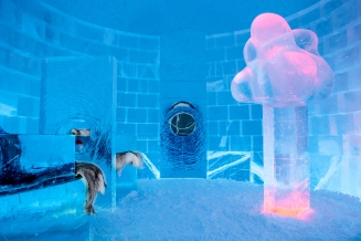 icehotel-deluxe-suite-lost-and-found